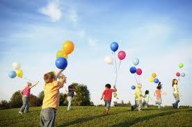childrenflyingbaloons
